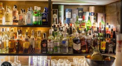 Botellero Tequila Beach Surf bar