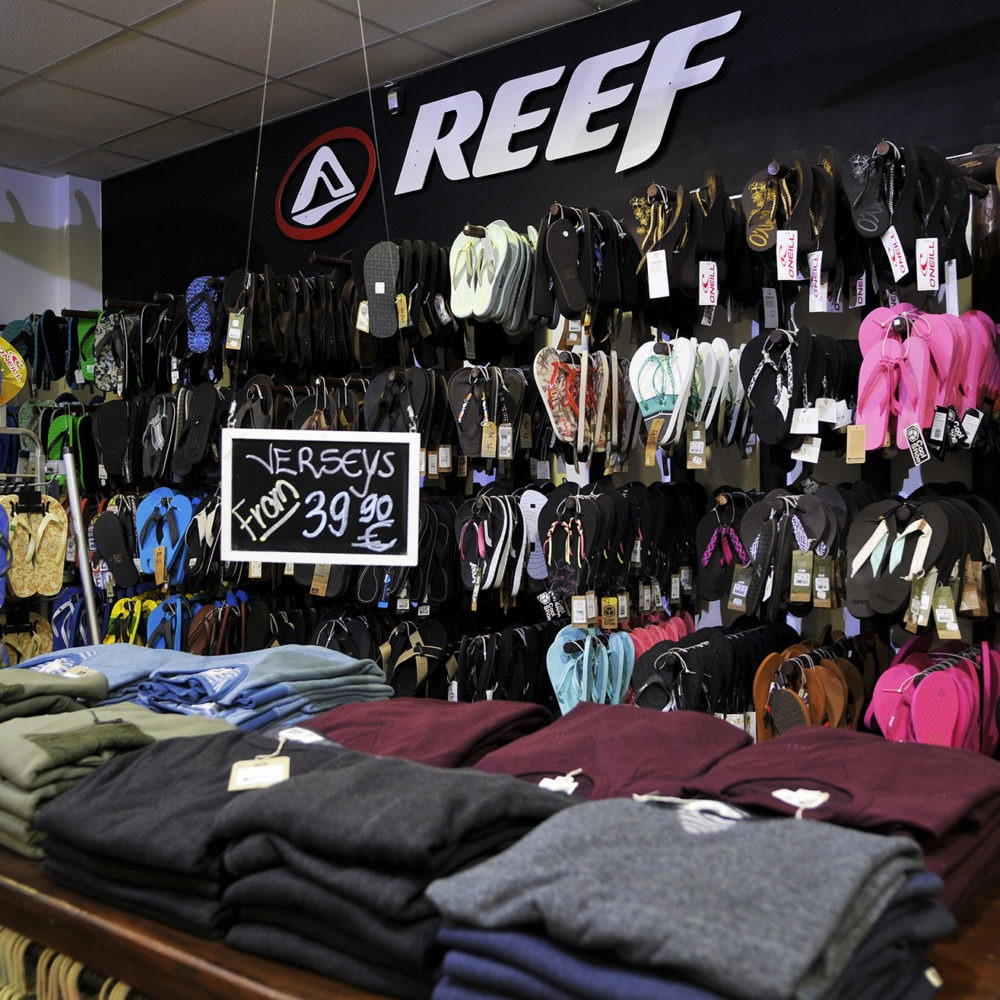 Interior tienda Paradise Surf