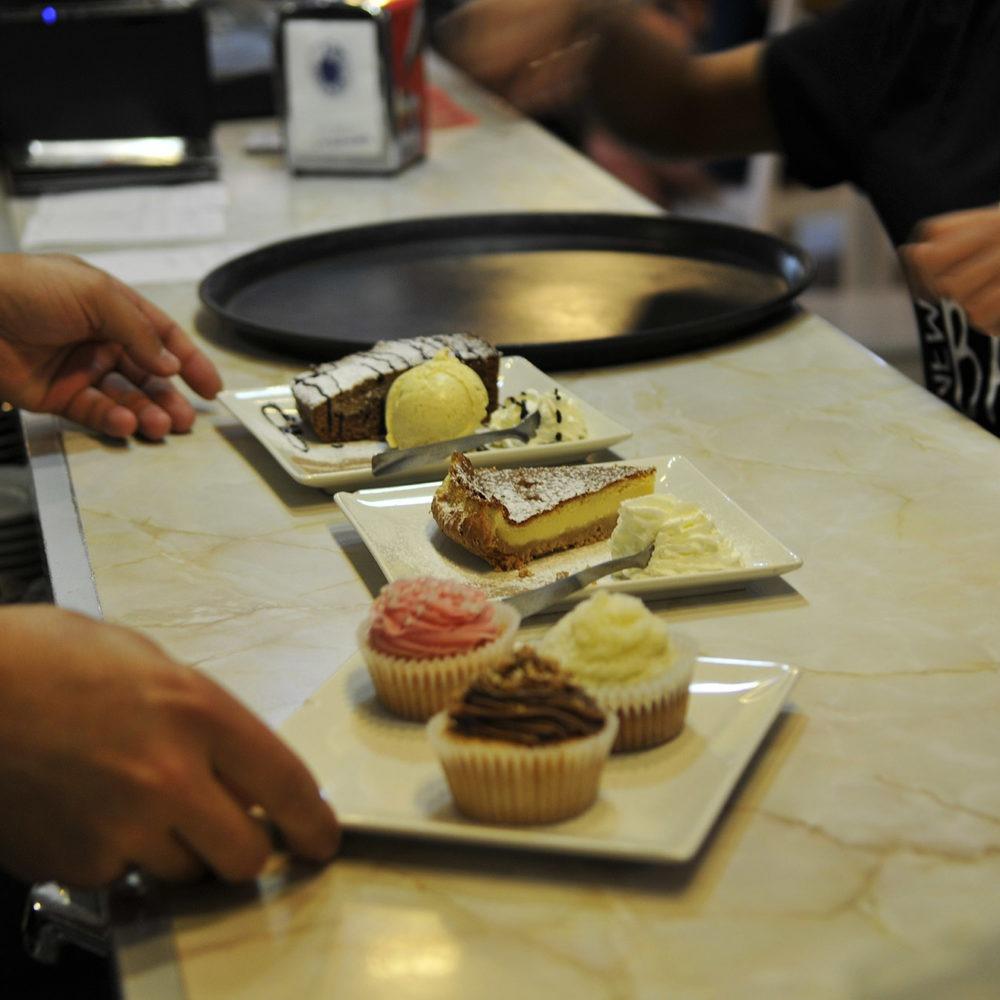 Sirviendo tartas