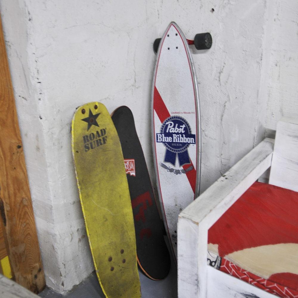 Skate en tienda de surf