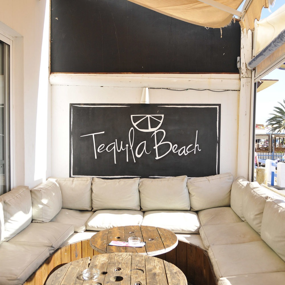 Tequila beach entrada
