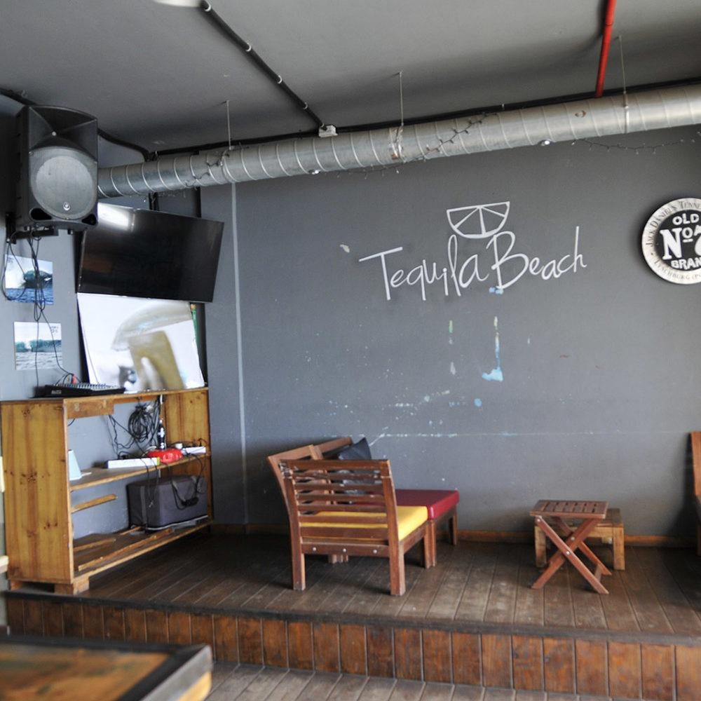 Zona de live music en El Tequila
