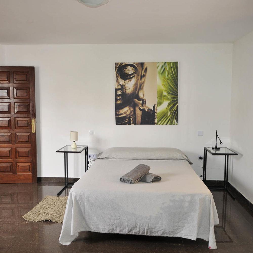 Dormitorio secundario surf villa corralejo