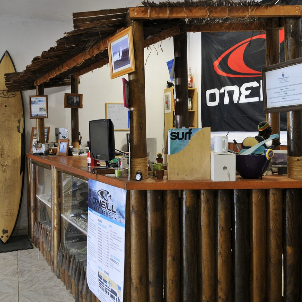 Mostrador de surf de madera