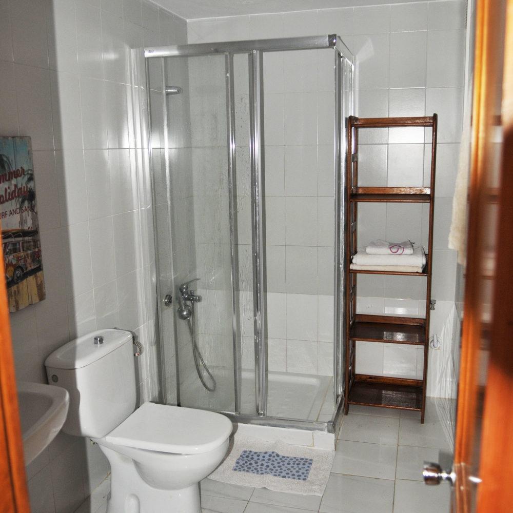 Surf apartment toilet
