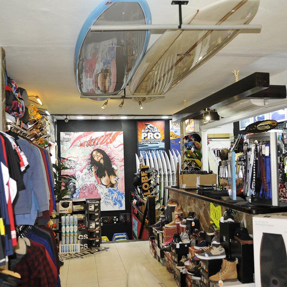 Mostrador planta superior King Surf shop