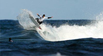 Axier Muniain surf en Fuerteventura